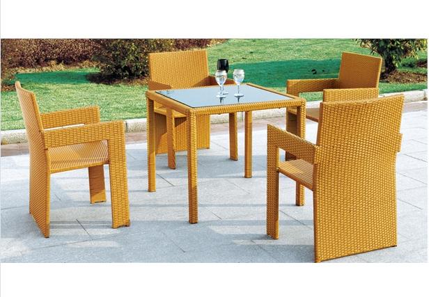 Luxury Outdoor Furniture PE Rattan Wicker Modern Dining Set