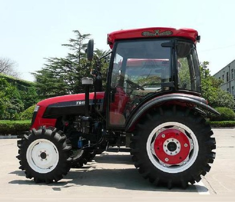 45HP 4WD Agriculture Machinery Universal Tractor with Trailer