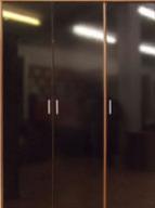 3 UV High Gloosy Door Bedroom Wooden Wardrobe Design