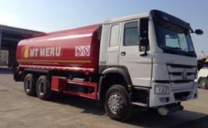 Sinotruk HOWO 6X4 25m3 Capacity HOWO Fuel/Oil Transport Tank/Tanker Truck