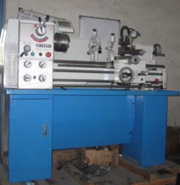 Centre Length X1000mm X880mm Beach Lathe (CQ6232E)
