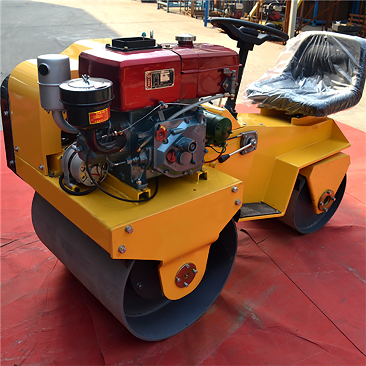 XYL-850S Ride-On Road Roller