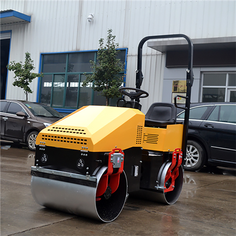 XYL-890 Road Roller