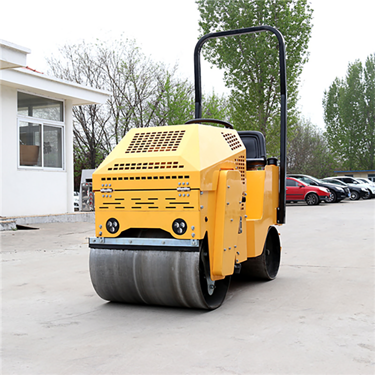 XYL-860 Ride-On Road Roller