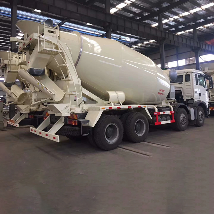 China National Heavy Duty Truck HOWO 12m³ T5G Lightweight Concrete Mixer Truck