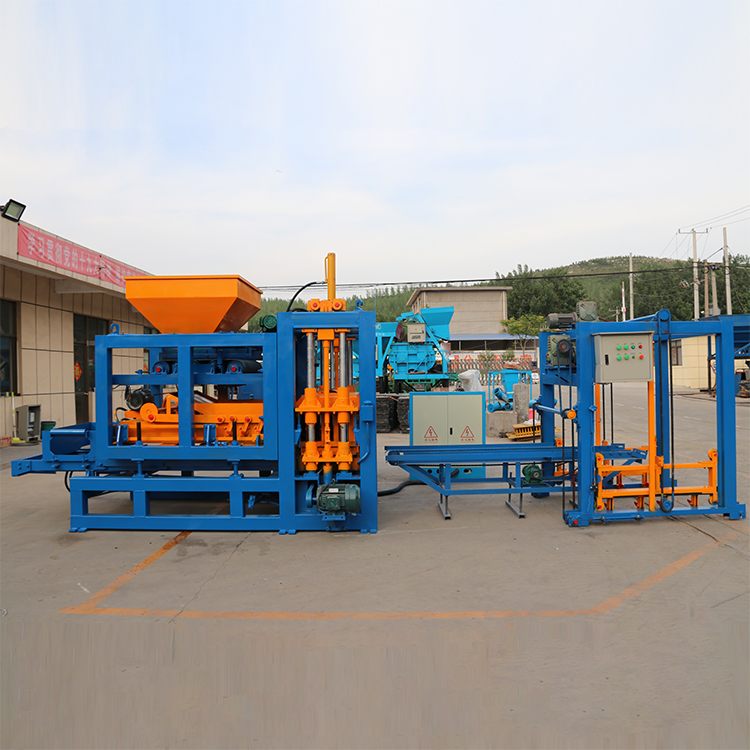 QT4-15 Automatic Block Making Machine