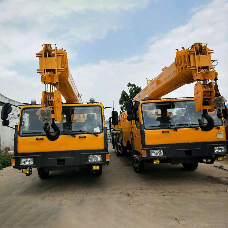 25T Custom Crane